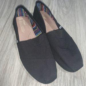 Toms Black Slip On / size 10.5